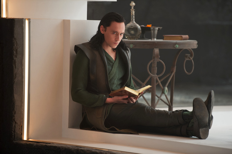 Thor-the-Dark-World_Tom-Hiddleston-mid-green_Image-credit-Walt-Disney-Studios