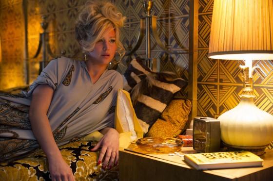 Jennifer-Lawrence--American-Hustle--02-560x373