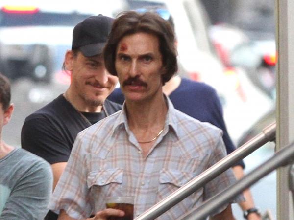 Matthew-McConaugheys-Gaunt-Frame-on-The-Dallas-Buyers-Club-Film-Set-10-600x450